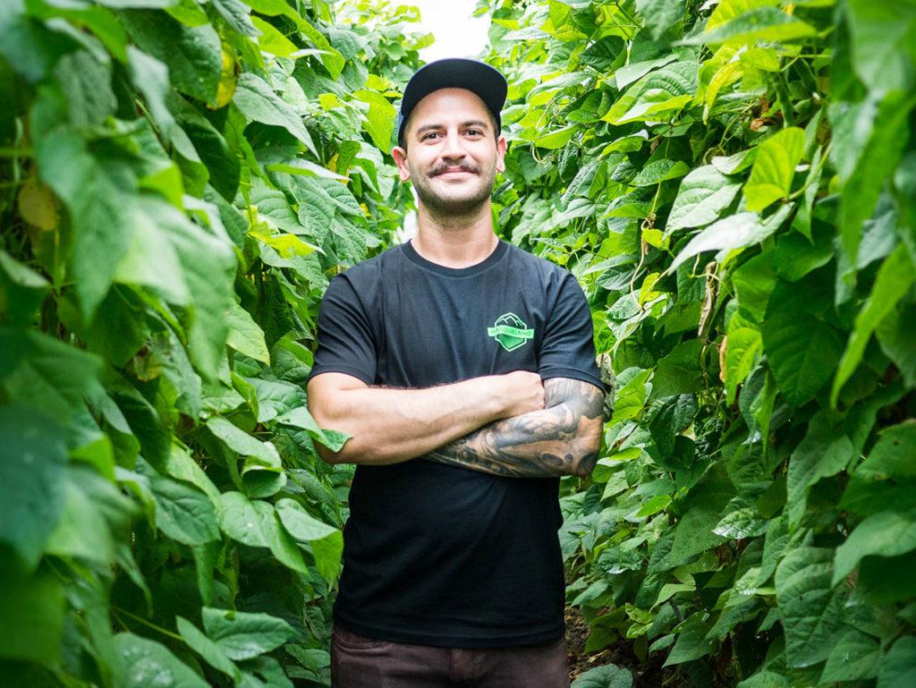 basqueland craft beer t-shirt green logo model Dio